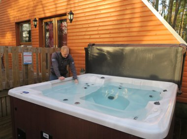 Hot Tub Sampling Lillieardsedge 2
